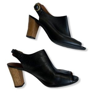 Clarks black leather wooden peep toe block sandals